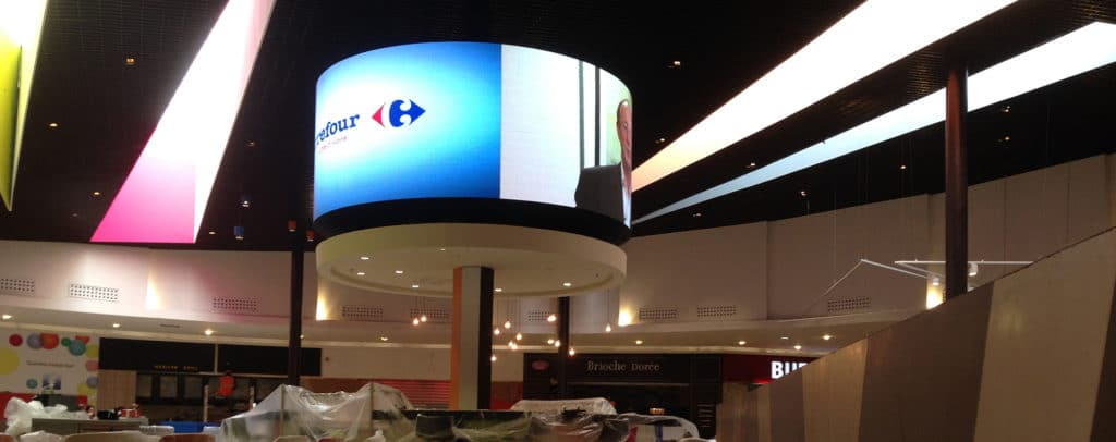 Ecran géant led 360 centre commercial