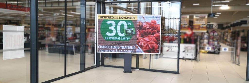 écran géant supermarché