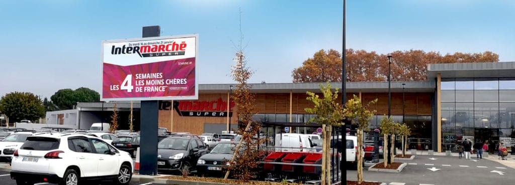 écran parking supermarché