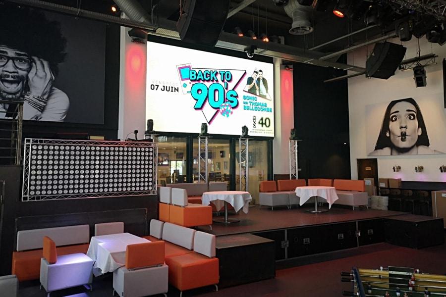 écran géant led intérieur de 12m² - Les Docks 40 - Lyon