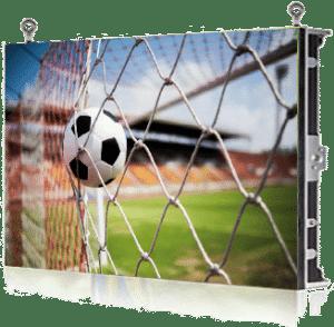 écran géant suspendu diffusant du sport