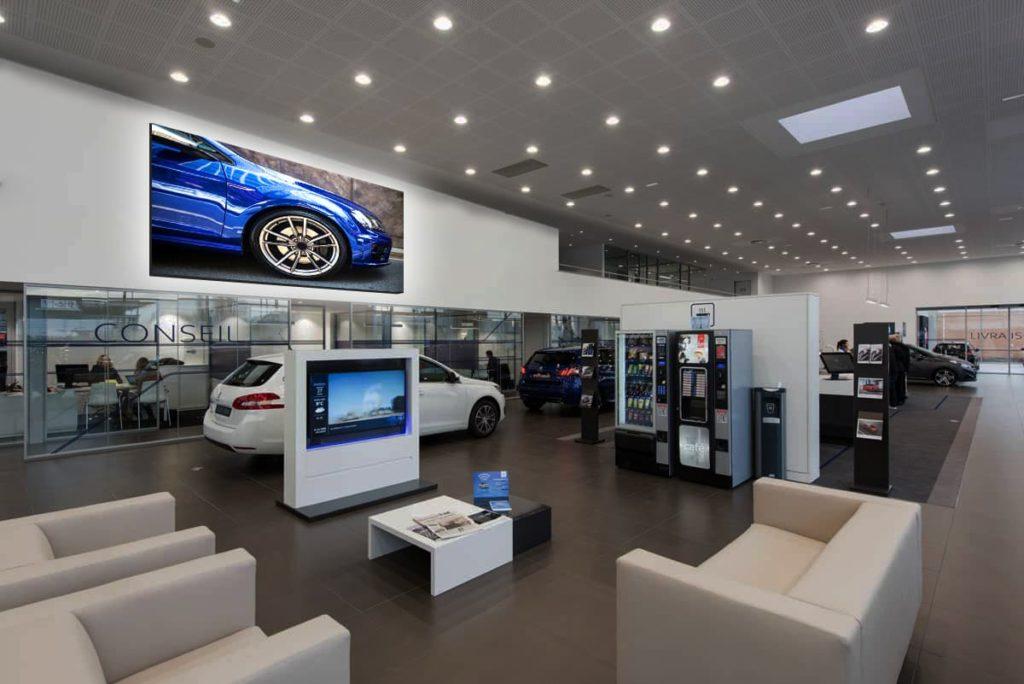 écran géant concession automobile