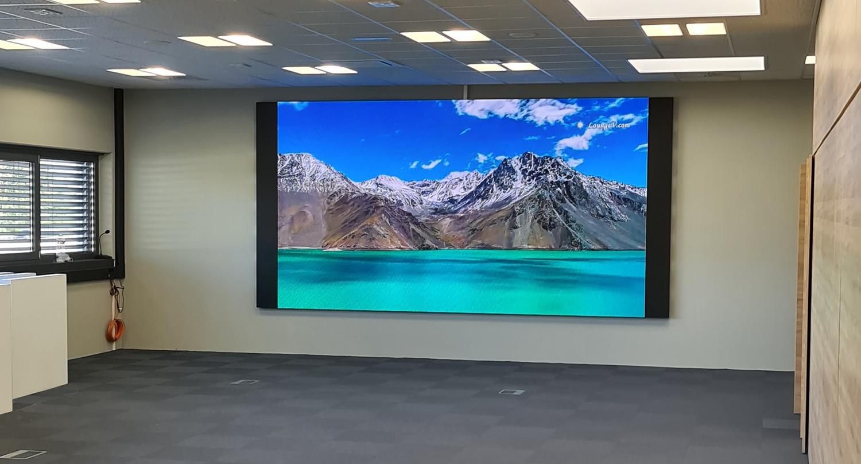 écran géant à l'interieur de la salle de réunion de l'entreprise - Der Kreis